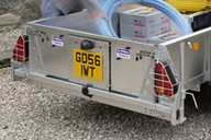 remove-yellow-reg-plate-tailboard
