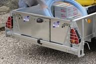 remove-yellow-reg-plate-tailboard_0